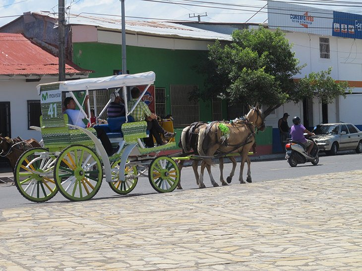 Granada, Nicaragua, horse and buggy, travel